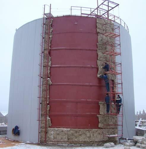 Завод емкостного и резервуарного оборудования СтройТехМаш изготавливает баки аккумуляторы для горячей и холодной воды...
